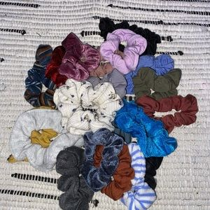 Pack of 21 scrunches